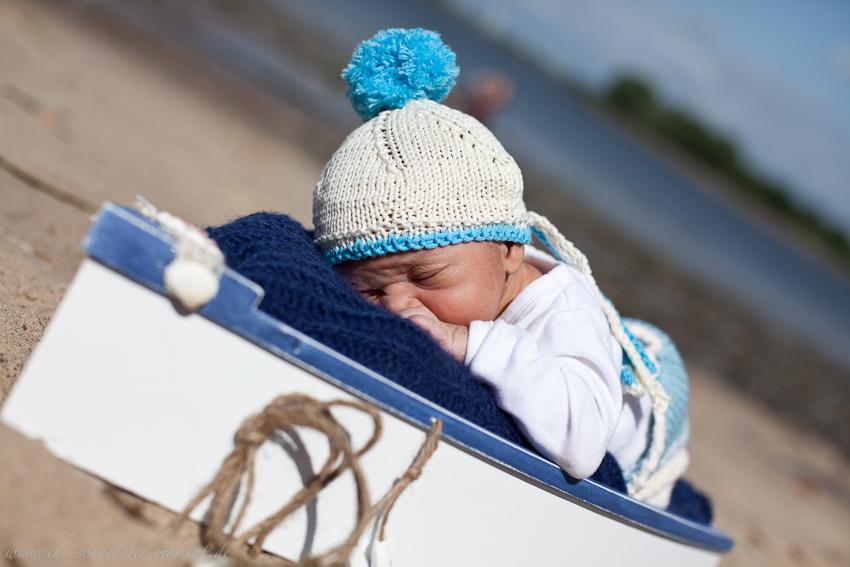 Neugeborenenfotografie in Jork an der Elbe - Laurence Rémi - 9 Tage jung (2/6)