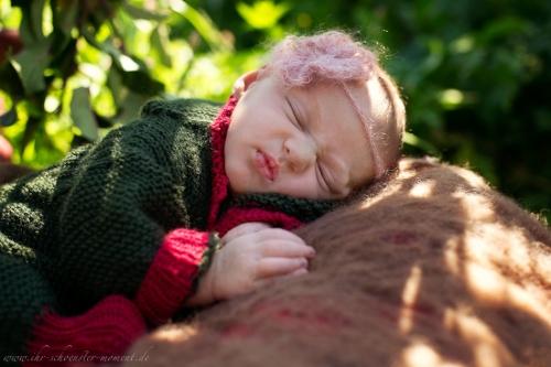 Neugeborenenfotos in Buxtehude Apfelmädchen_-13