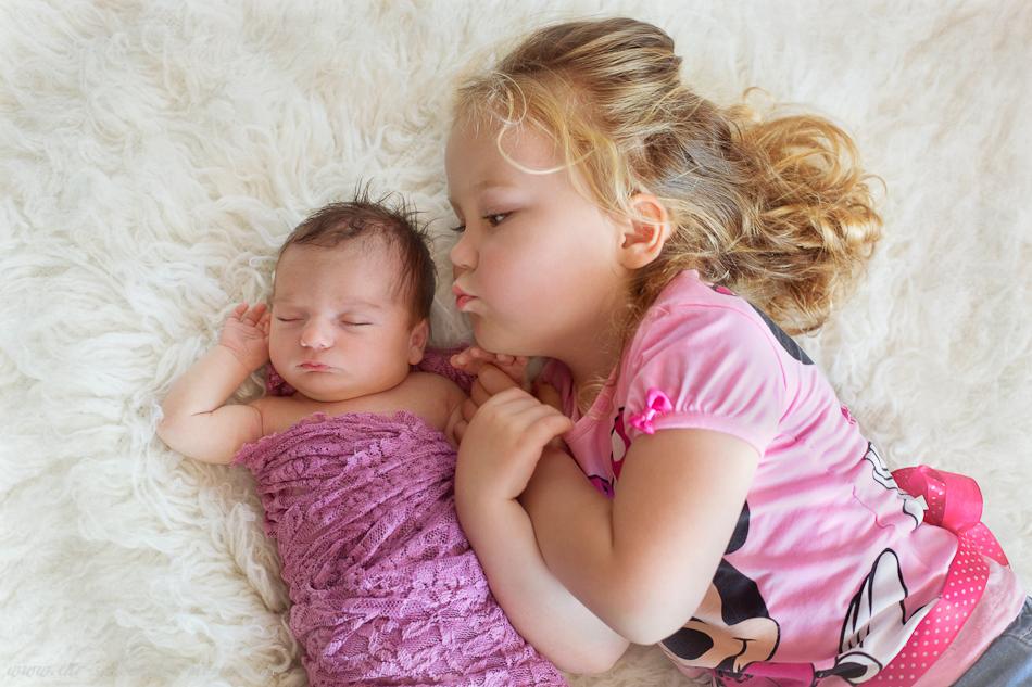 Neugeborenenfotos Geschwisterfotos Familienfotos_-21