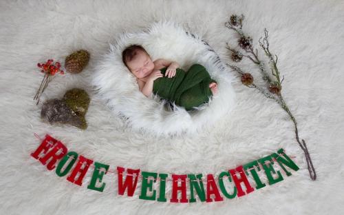Neugeborenenfotos zu Weihnachten